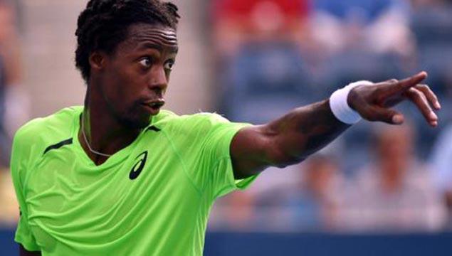Roger-Federer-v-Gael-Monfils-US-Open-2014