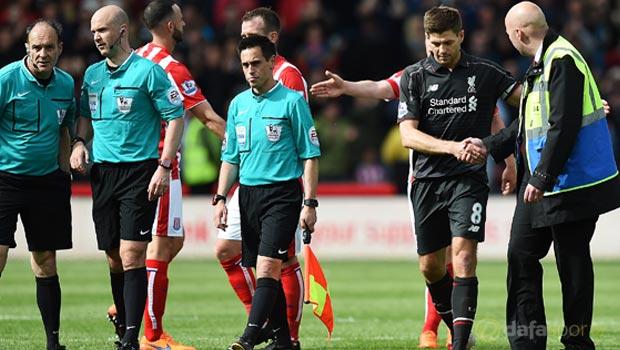 Steven-Gerrard-Liverpool-v-Stoke-City-Premier-League1