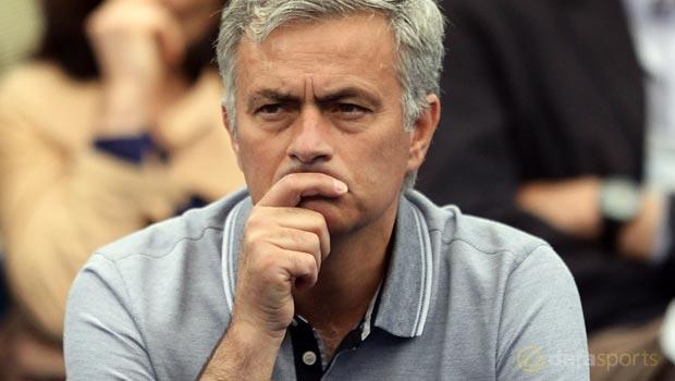 Chelsea-Manager-Jose-Mourinho-10