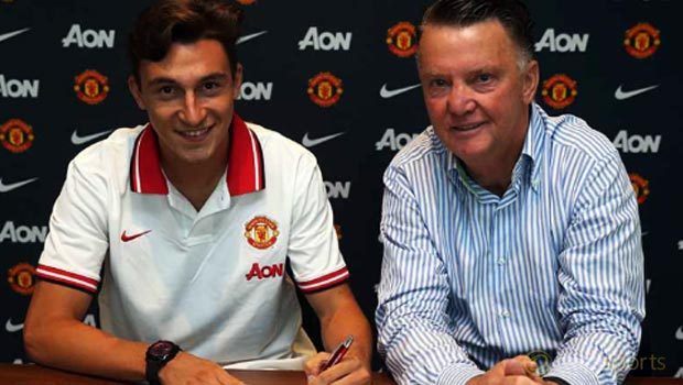 Manchester-United-Matteo-Darmia-and-Louis-Van-Gaal
