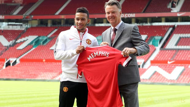 Memphis-Depay-and-Louis-Van-Gaal-Man-Utd