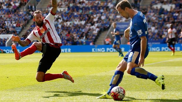 Sunderland-striker-Steven-Fletcher-and-Christian-Fuchs